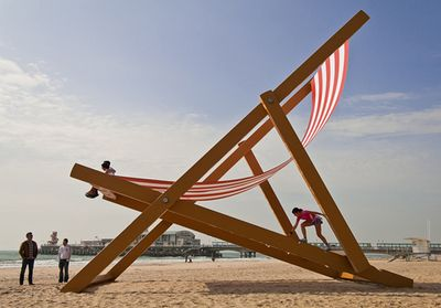 TheWorldsLargestDeckchair4